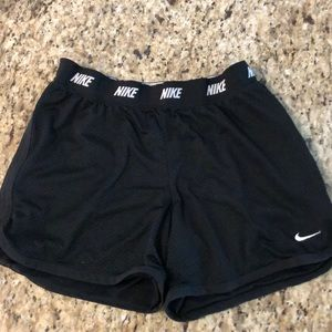 Nike Dri-Fit Shoets Kids XL